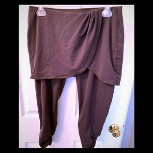 Lucy Skirted Capris